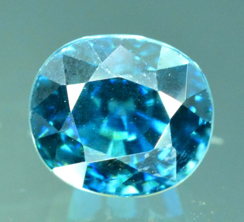 No Reserve - 2.00 ct Full Color Beautifull Oval Zircon Gemstone From Combod