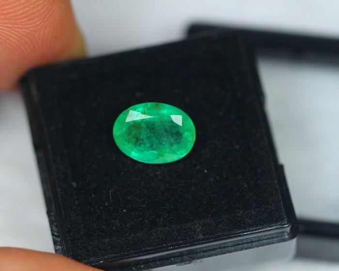 2.33ct Natural Zambia Emerald Oval Cut Lot X04
