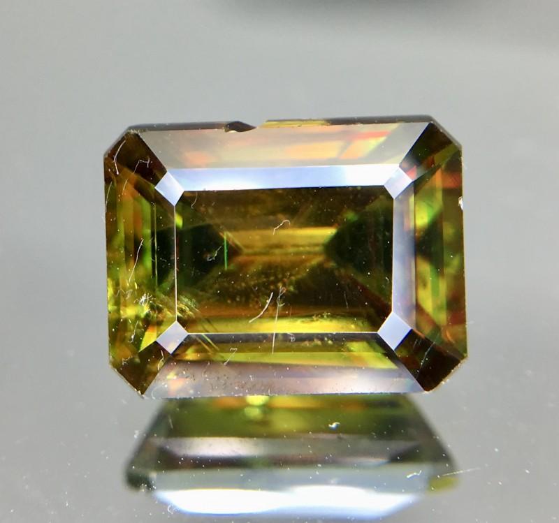 2.95 Crt Natural Chrome Sphene Faceted Gemstone