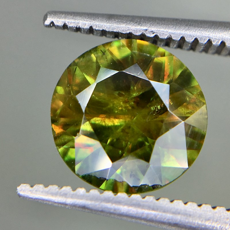 1.65 Crt Natural Chrome Sphene Faceted Gemstone