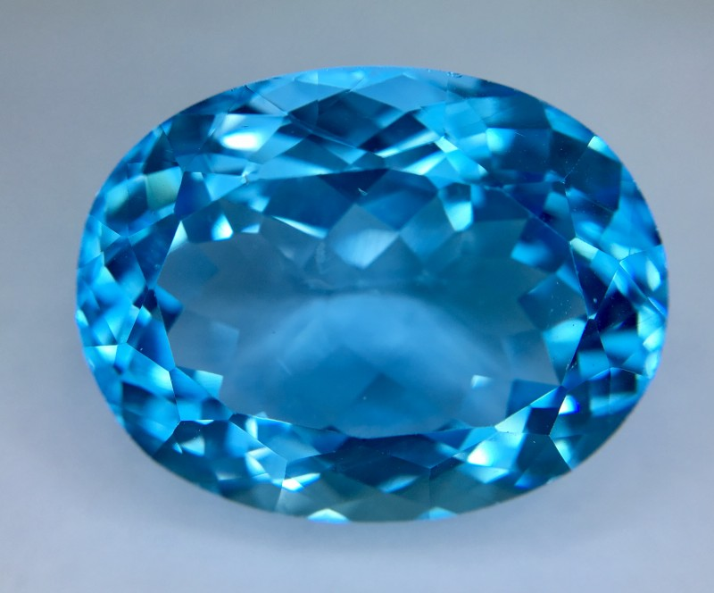31.30 Crt Topaz Faceted Gemstone