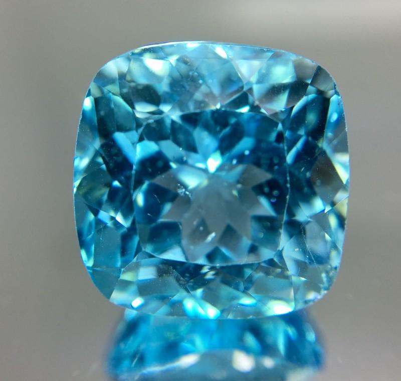 24.30 Crt Topaz Faceted Gemstone