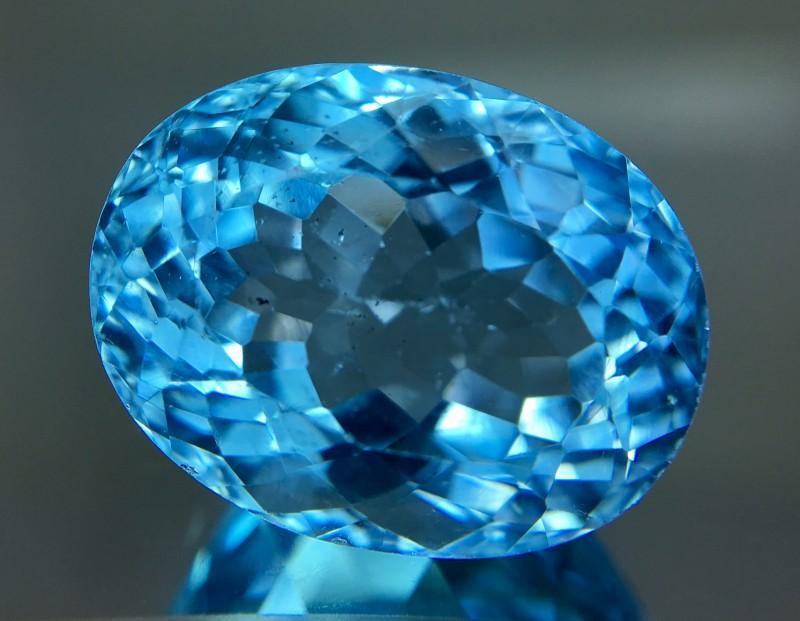 23.95 Crt Topaz Faceted Gemstone