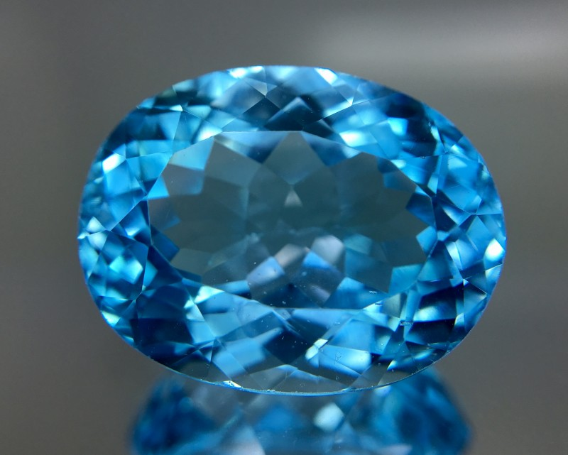 23.95 Crt Topaz Faceted Gemstone