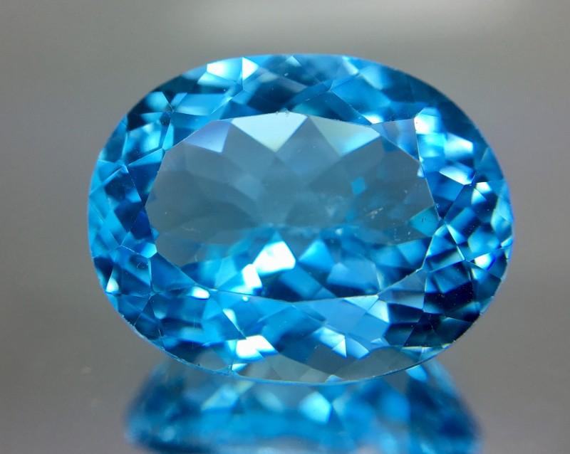 17.10 Crt Topaz Faceted Gemstone
