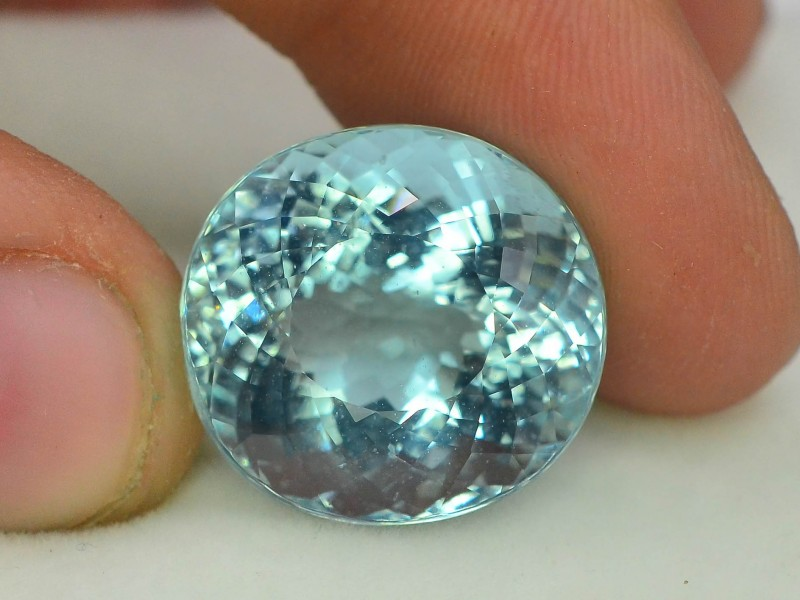 Gil Certified AAA Grade 20.26 ct Attractive Color Aquamarine