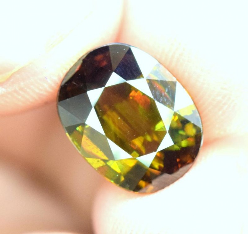 5.65 carats AAA Color Full Fire Natural Chrome Sphene from Pakistan