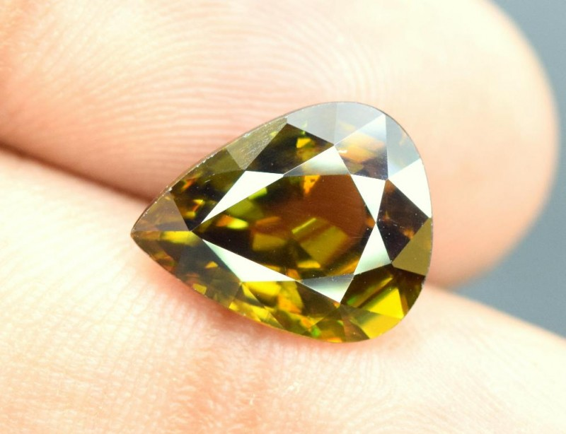 4.70 carats AAA Color Full Fire Natural Chrome Sphene from Pakistan