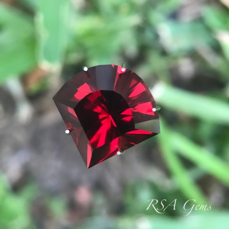 Garnet Fan - 9.18 carats
