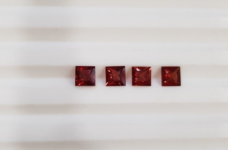 Red garnet Princess cut 1.5 carat parcel