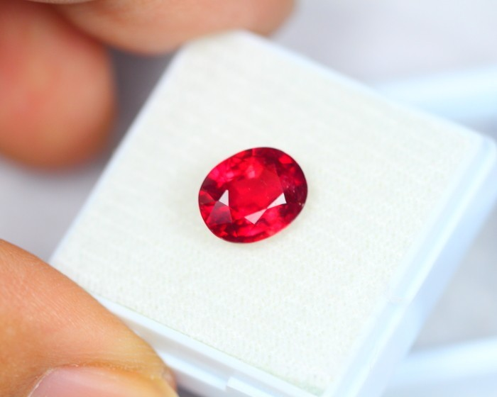 3.16ct Blood Red Color Ruby Oval Cut Lot GW1962