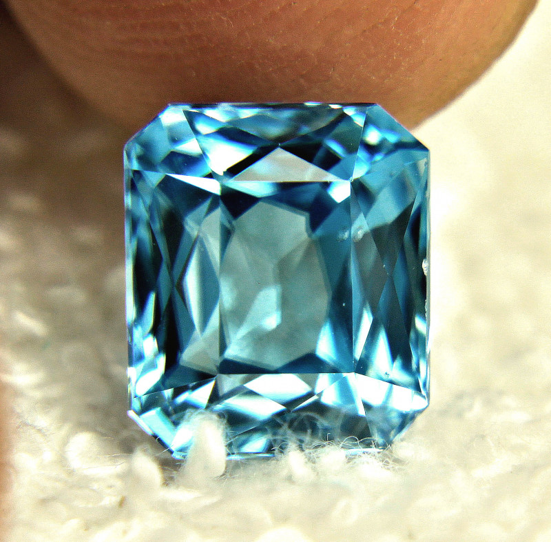 7.25 Carat IF / VVS1 Southeast Asian Blue Zircon - Gorgeous