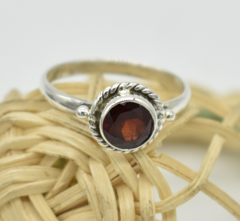 NATURAL UNTREATED GARNET RING 925 STERLING SILVER JE682