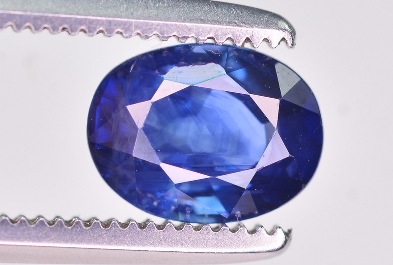 1.02 Ct GIL Certified Amazing Color Natural Royal Blue Sapphire