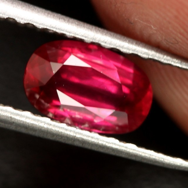 CERTIFIED UNTREATED & UNHEATED BURMESE RUBY~ RARE SIZE  ~ 1.06cts ~ VVS