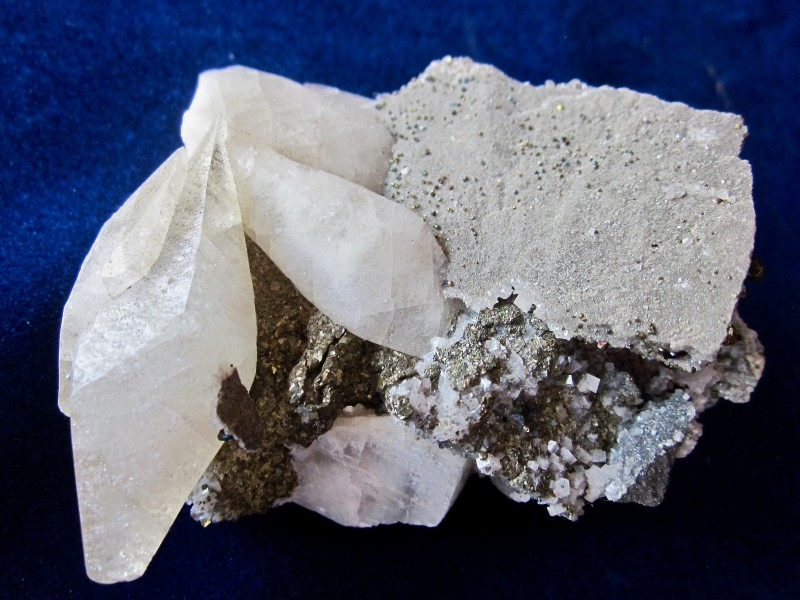 Calcite, Dolomite with Chalcopyrite display specimen Sweetwater Mine, Vibur