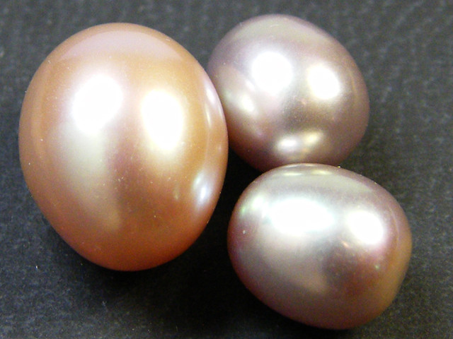 PARCEL HIGH LUSTRE FRESH WATER PEARLS 16.40 CTS SG 1162