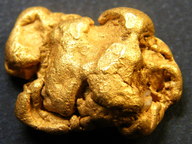 COLLECTORS LARGE  GOLD NUGGET   6.8 GRAMS  LGN 343