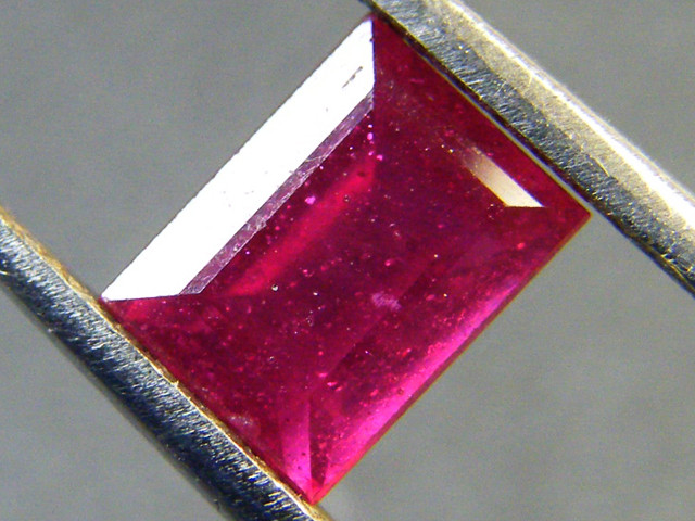 F/S CRYSTAL CLEAR VS GRADE SPARKLING REDRUBY 1.45 CTS RM 283