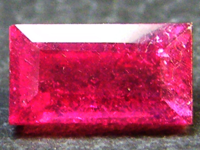 F/S CRYSTAL CLEAR VS GRADE SPARKLING REDRUBY 0.80 CTS RM 310