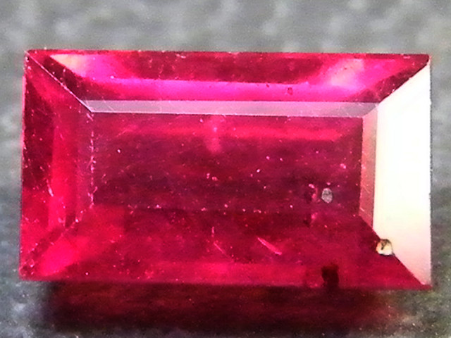 CRYSTAL CLEAR VS GRADE SPARKLING RED RUBY 1.25 CTS RM 315