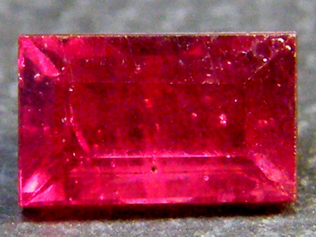 F/S CRYSTAL CLEAR VS GRADE SPARKLING REDRUBY 0.80 CTS RM 320