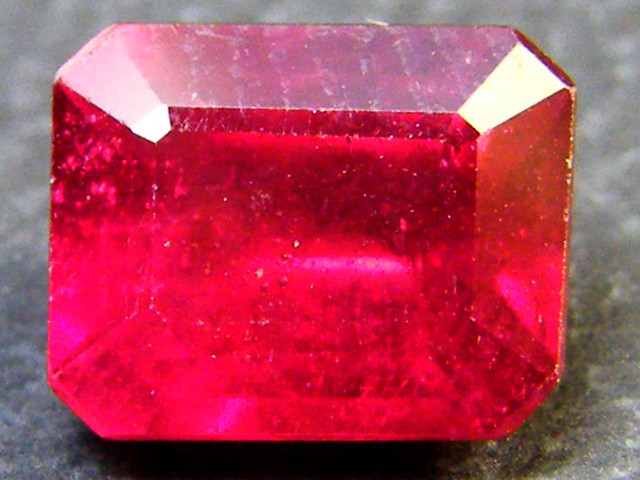 CRYSTAL CLEAR VS GRADE SPARKLING RED RUBY 1.55 CTS RM 327