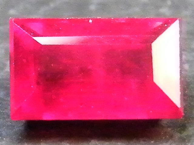 F/S CRYSTAL CLEAR VS GRADE SPARKLING REDRUBY 0.85 CTS RM 342