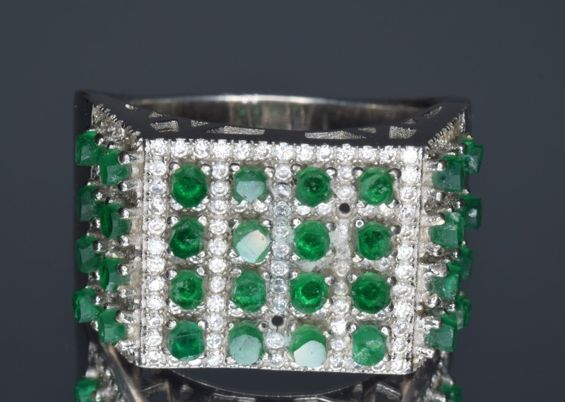 925 Sterling Silver Ring with Natural Emerald Crystals (Rough Crystals) Uni