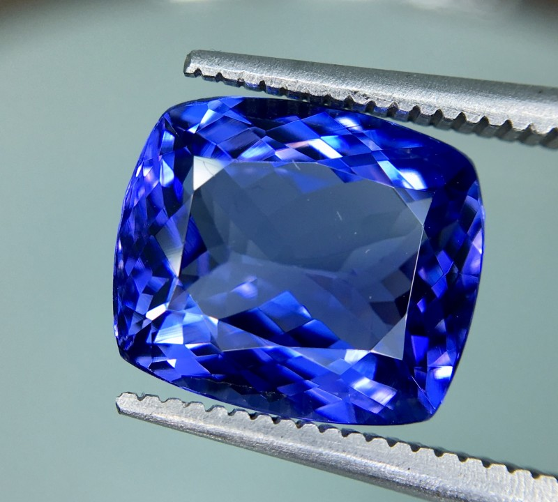 4.55 Crt Tanzanite AAA Top Quality Faceted Gemstone