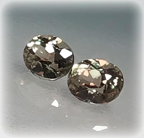 2 pieces Natural Diaspore 5.5mm Jewelry grade gems