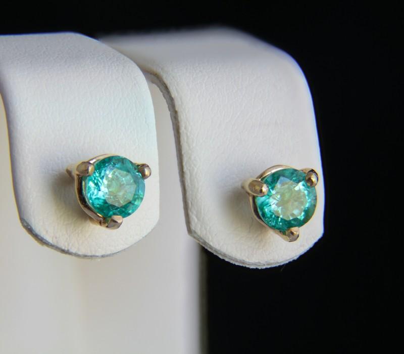 1 ct. Emeralds in 18k Gold Earrings.