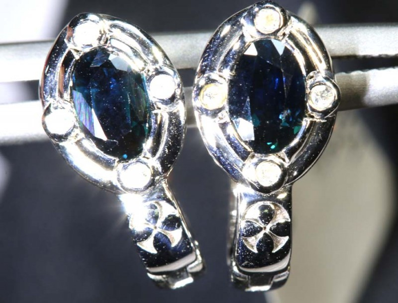 12.75-CTS  SAPPHIRE EARRING BLUE AND WHITE  SG-2726