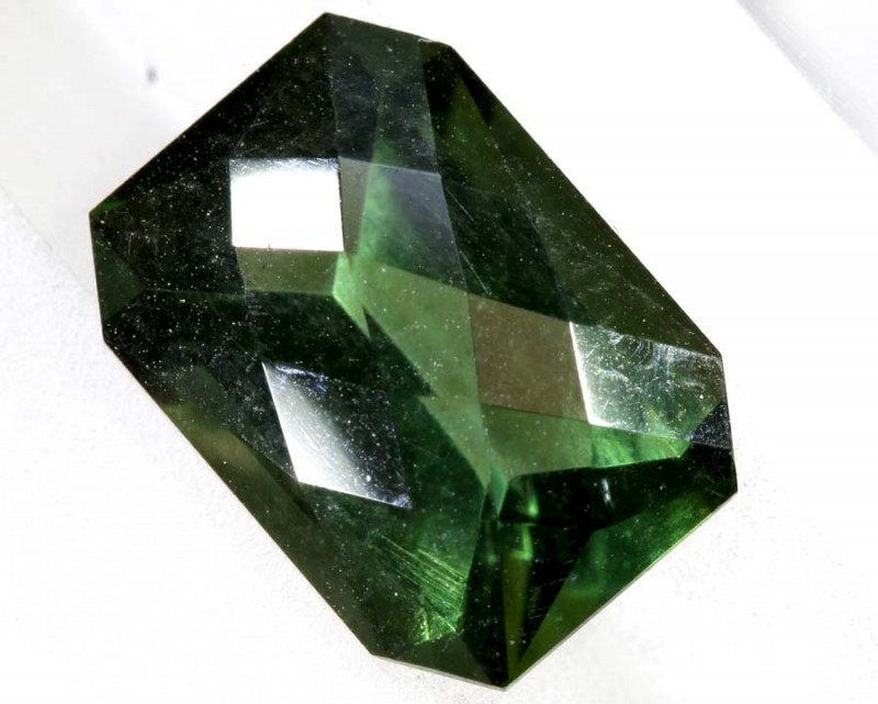 4.05- CTS  GREEN QUARTZ FACETED  CG-2519