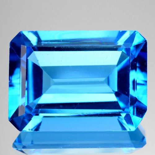 ~BEAUTIFUL~ 17.40 Cts Natural Swiss Blue Topaz Octagon Brazil