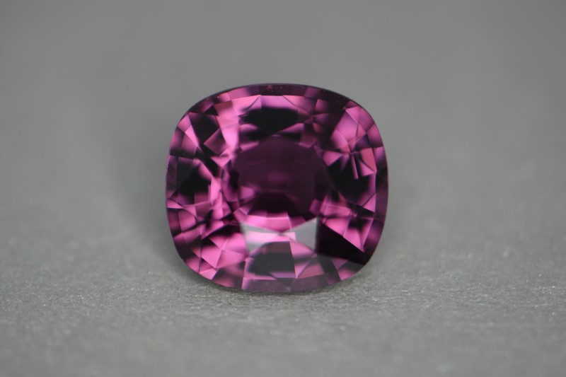 Beautiful stone with high luster and loupe clean when torched.  3.13 cts.  Great color!  Beautifully cut.  I try to show every detail with as perfect a photo and video I can get to show you everything at the best price.