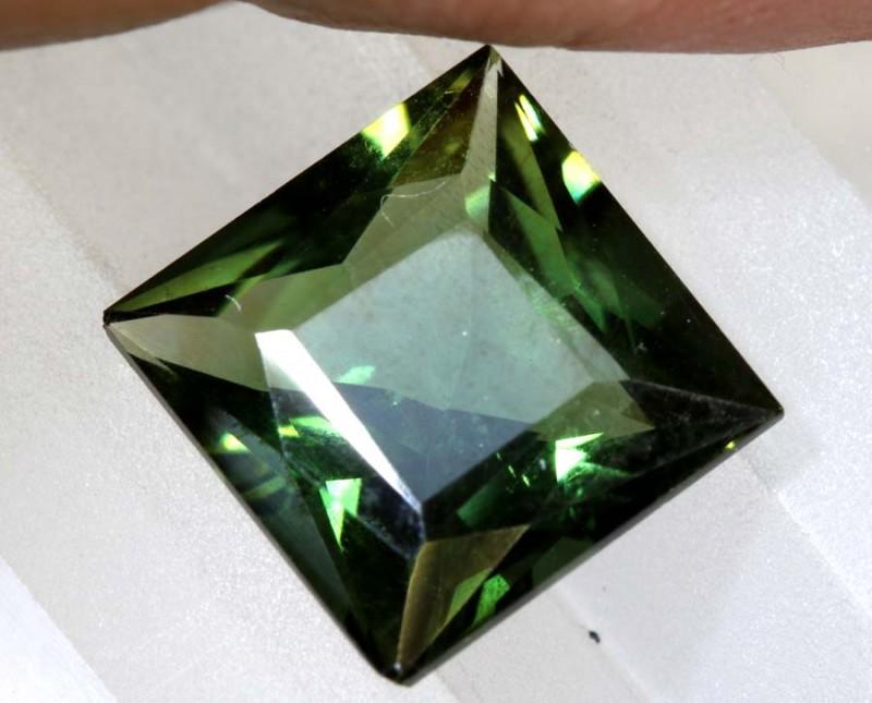 3.8- CTS  GREEN QUARTZ FACETED  CG-2529