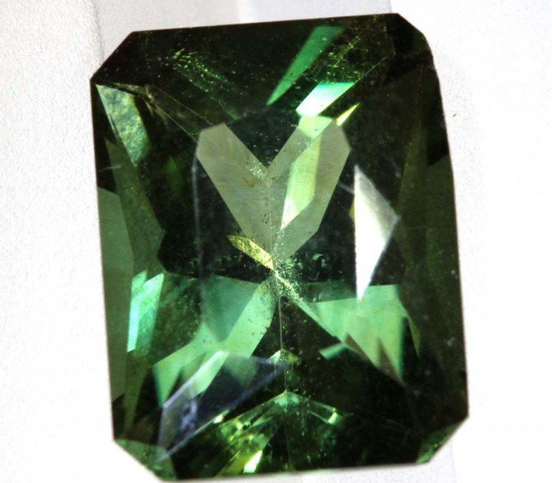 4.55- CTS  GREEN QUARTZ FACETED  CG-2530