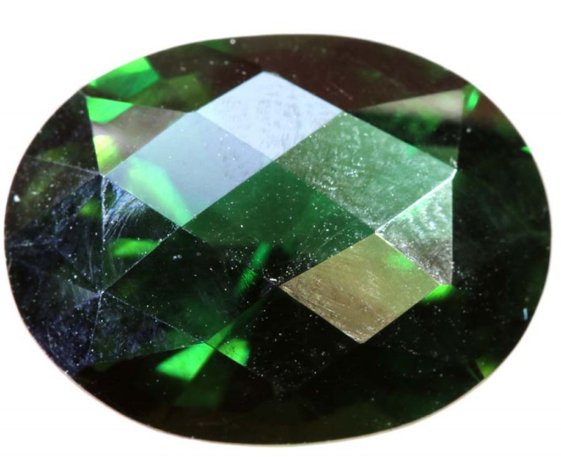 8.76- CTS  GREEN QUARTZ FACETED  CG-2545