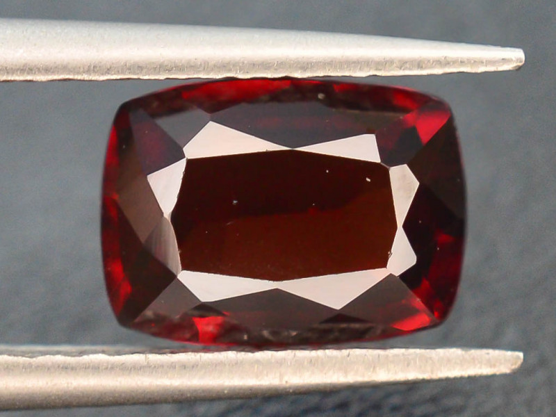 1.30 CT RHODOLITE GARNET FROM MALAY AFRICA