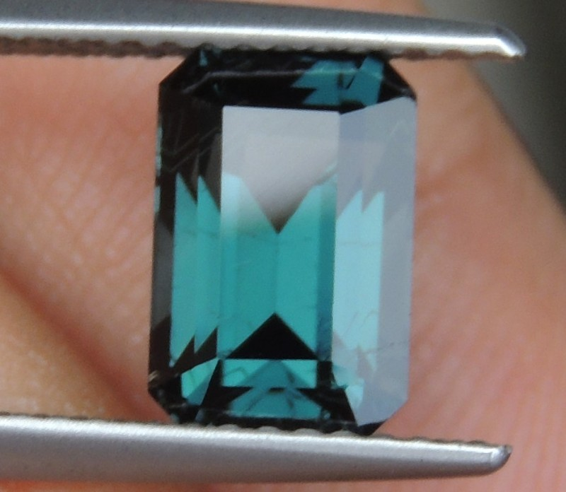 2.67cts  Blue Spinel ,  100% Untreated, Calibrated