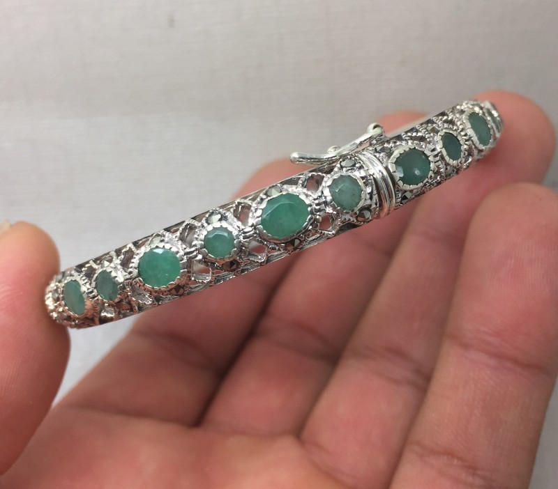 (B) Deluxe Nat 113.2tcw. Zambian Emerald and Marcasite Bangle