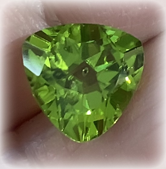 3.00ct Prime Peridot Gem Trilliant Fabulous color and lustre