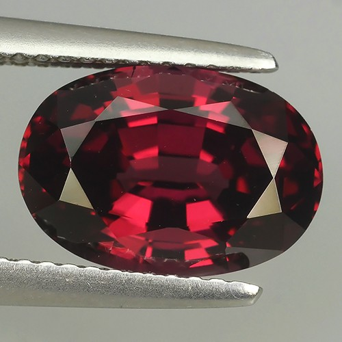 5.20 CTS EXQUISITE NATURAL UNHEATED OVAL RHODOLITE GARNET!!