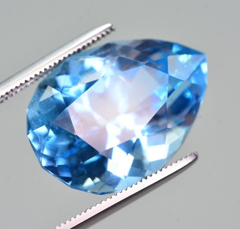 16.25 Ct Natural Fancy Pear Shape Blue Topaz Gemstone