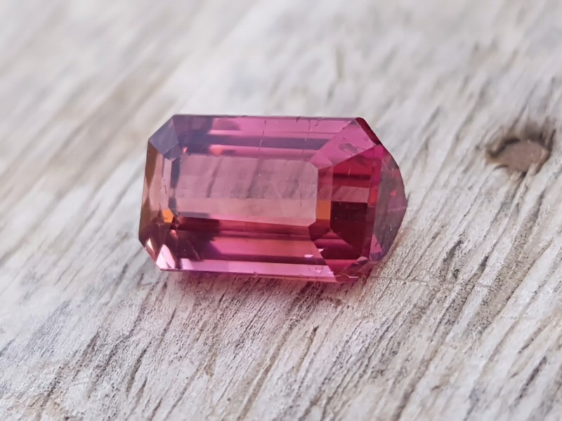 3.95 Ct Natural Rubellite Transparent Tourmaline Gemstone