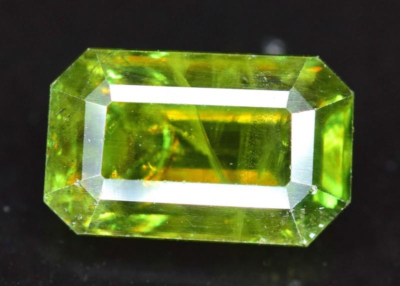 1.70 cts Natural Full Fire Chrome Sphene Titanite Gemstone