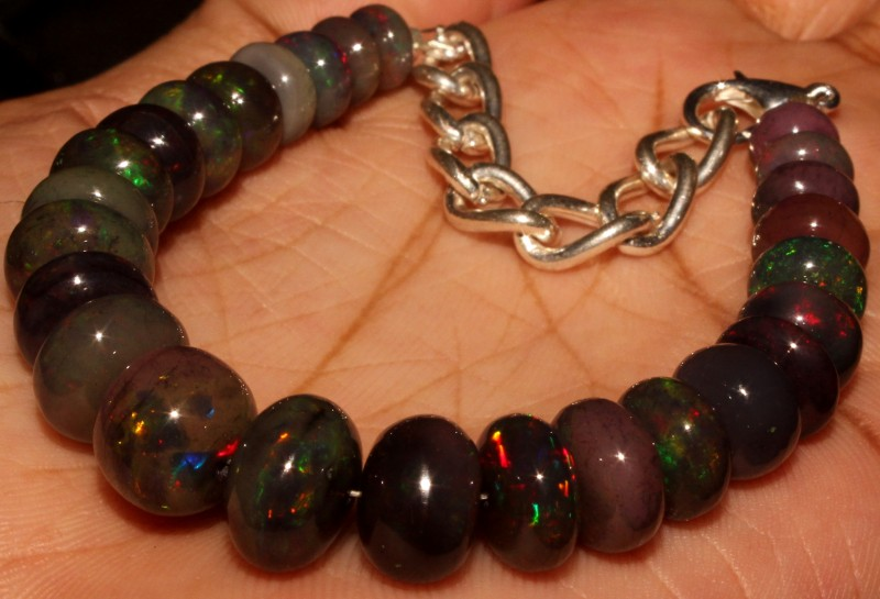 62  Crt Natural Ethiopian Fire Smoked Black Opal Beads Bracelet 0051