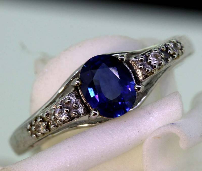 8.60-CTS SAPPHIRE RING BLUE AND WHITE   SG-2766