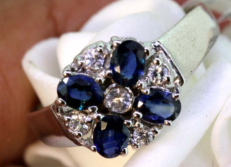 13.90-CTS SAPPHIRE RING BLUE AND WHITE   SG-2767